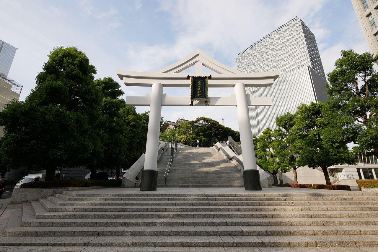 日枝神社の124段続く階段