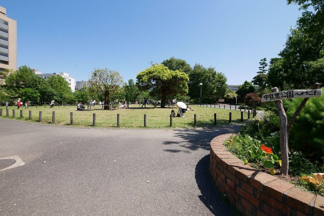 4月末の花咲く中目黒公園