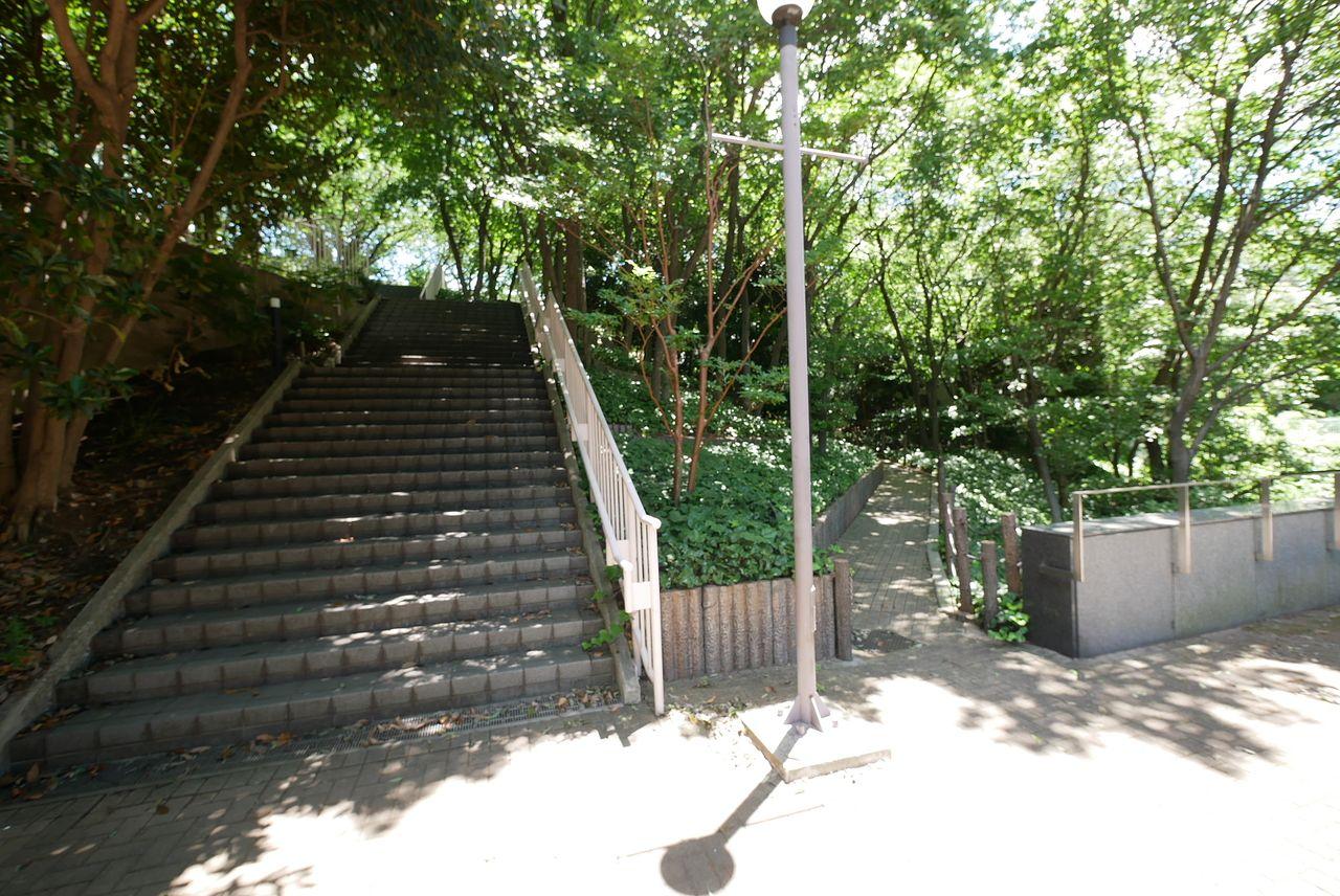 森トラストONビルの公開空地3