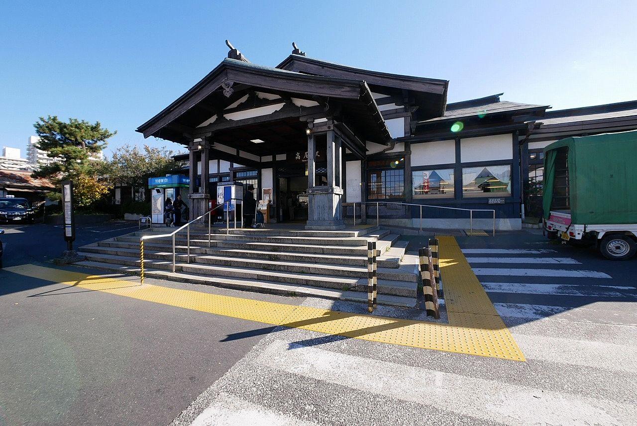 中央線・高尾駅北口の駅舎