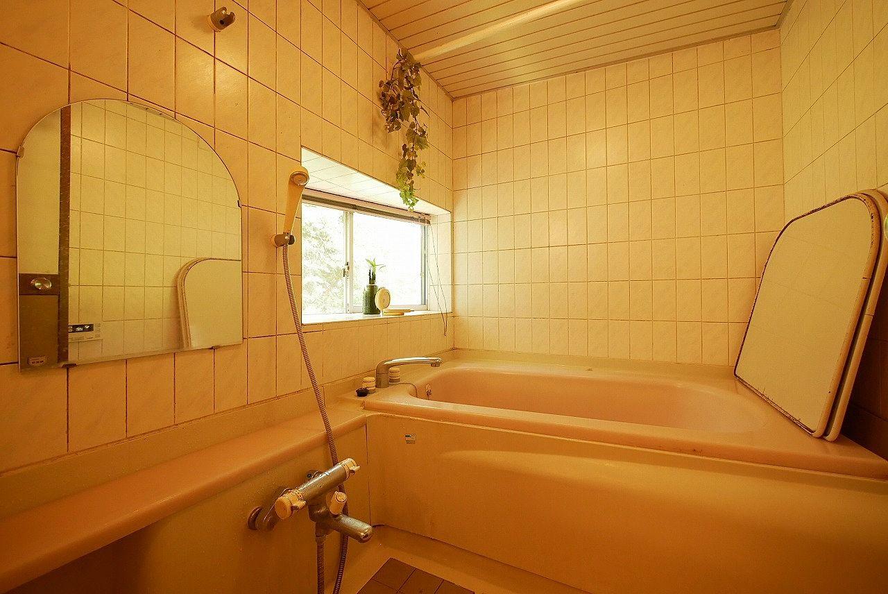 お風呂につかりながら窓から景色を眺める。お父様のこだわりです!