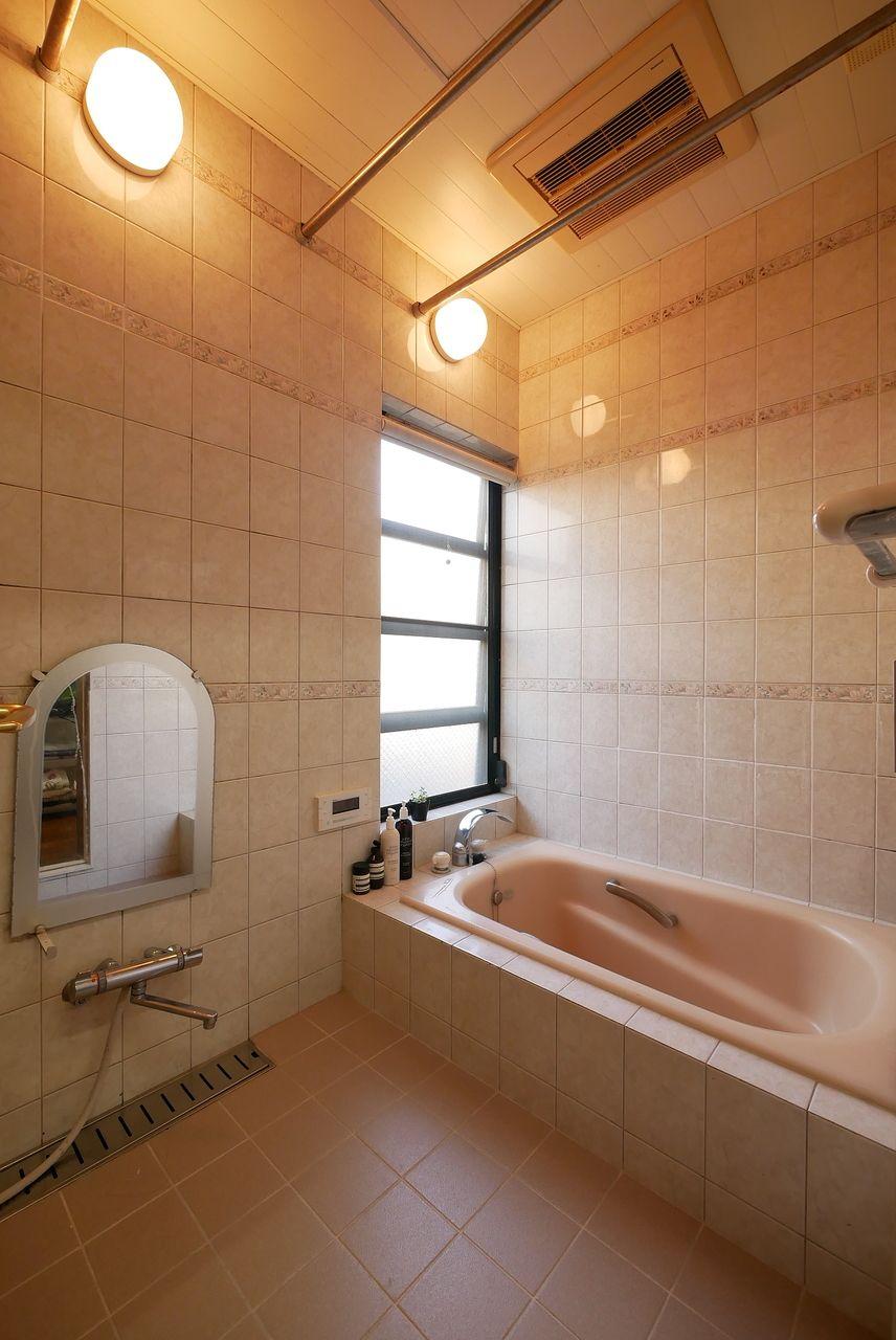 明るい浴室ですね~