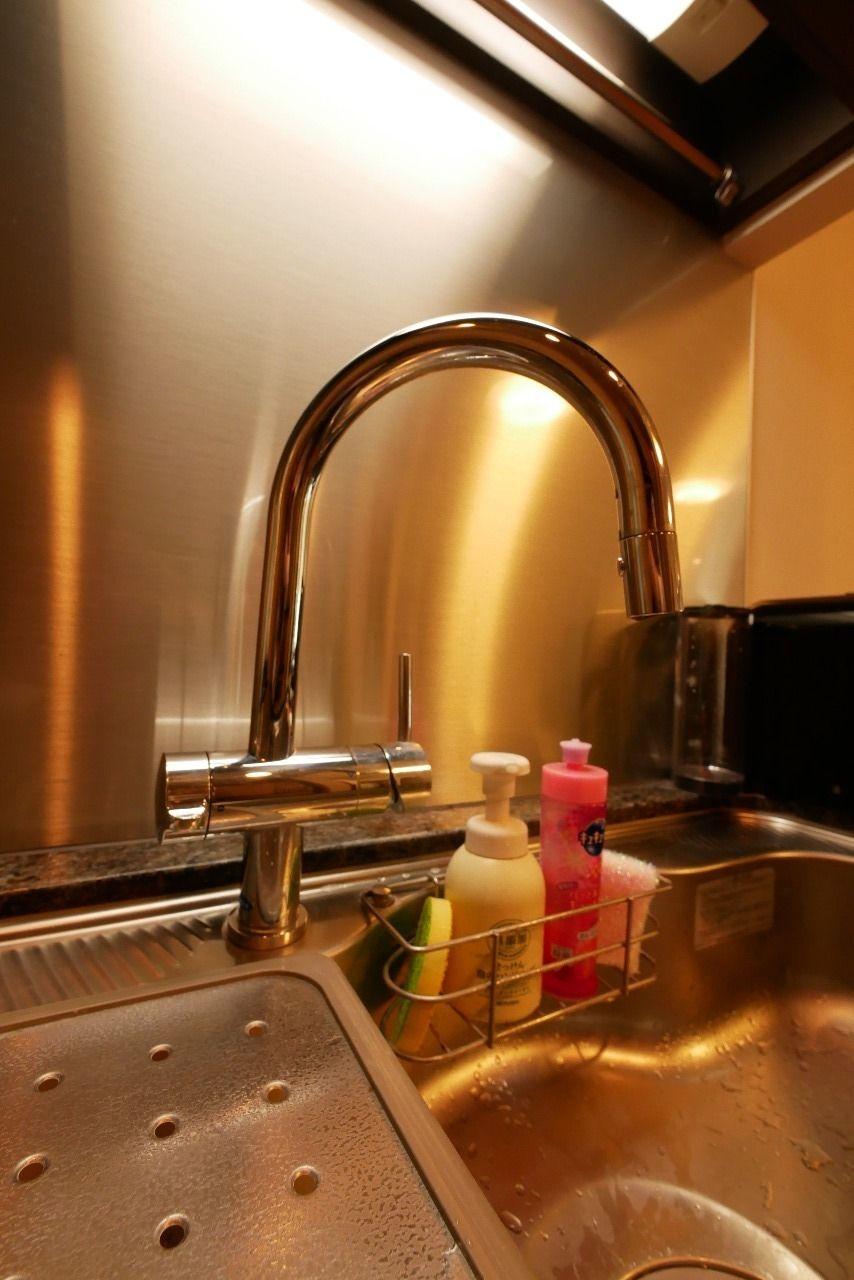機能性とデザイン性を両立させた高級浄水器一体型水栓